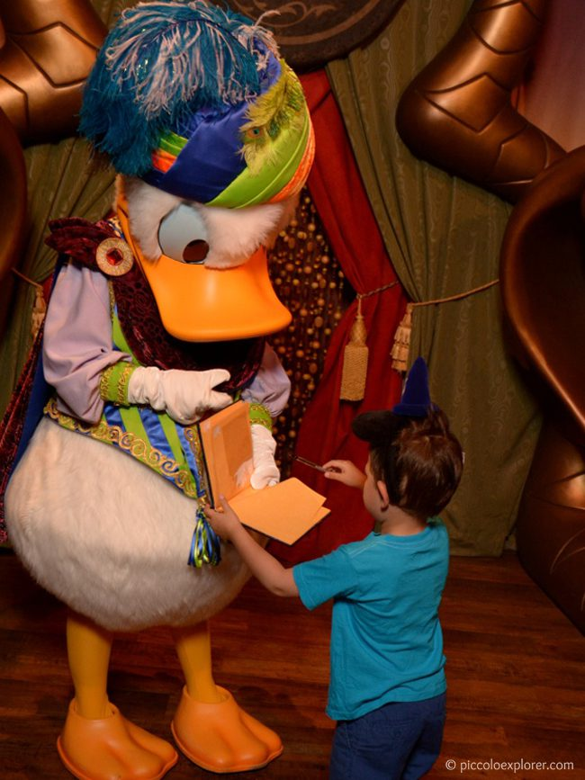 Meeting Donald Duck at Magic Kingdom, Orlando